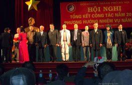 Nhận kỷ niệm chương vì sự nghiệp Đông y