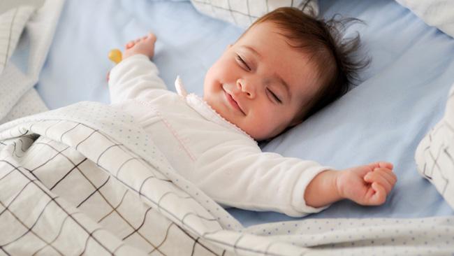 giấc-ngủ-trẻ-sơ-sinh