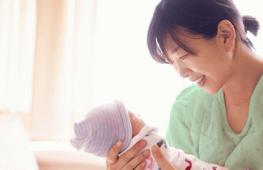 Làm Sao Để Biết Bé Bú Đủ Sữa Mẹ?