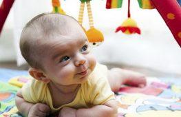 Trẻ 3 tháng tuổi – Sự Phát Triển và Chăm Sóc Trẻ