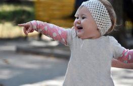 Trẻ 11 tháng tuổi – Sự Phát Triển và Chăm Sóc Trẻ